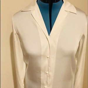 Tops - Beautiful cream colored Judith Hart blouse